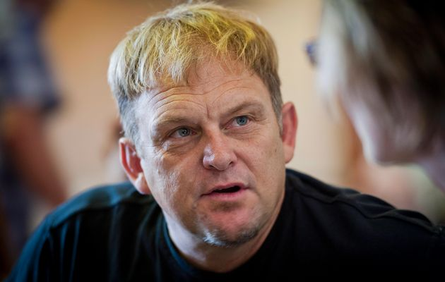 Far-right turn hits Hofmeyr in the pocket