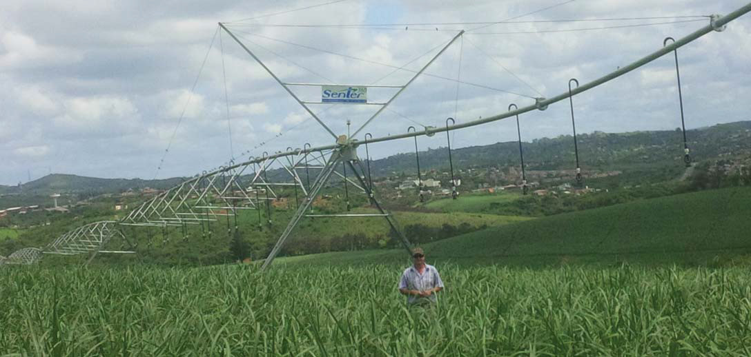 Senter 360 se wateraangedrewe spilpunt reik na die hemel